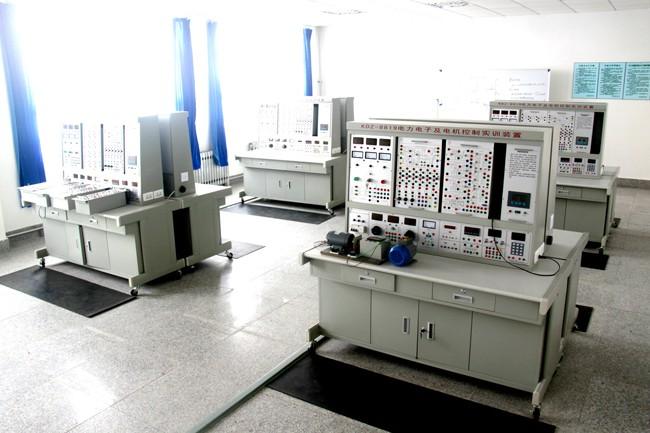 电力电子机控制实验室.jpg